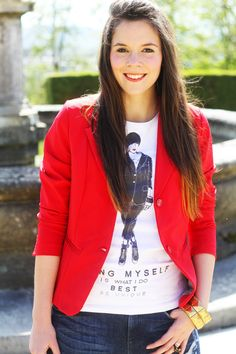 smile red outfit blogger