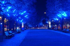 Unter den Linden @ Berlin FESTIVAL OF LIGHTS 2005 (c) Festival of Lights / Christian Kruppa #FestivalofLights  #Berlin #UnterDenLinden