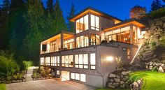 2888 Rosebery Avenue - West Vancouver Homes and Real Estate - BC, Canada