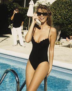 Trending Ideas Swimwear 2018 : Claudia Schiffer by Ellen von Unwerth for Vogue April 1989 Claudia Schiffer, Ellen Von Unwerth, Moda Rock, Vogue, Stuck, Looks Street Style, Mode Vintage, Mannequins, 90s Fashion