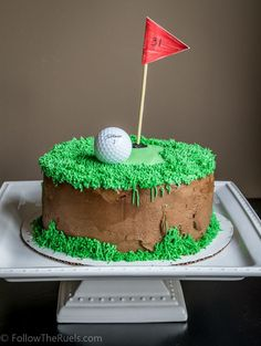 A golf themed birthday cake for the ultimate golf-lover. Golf Themed Cakes, Golf Birthday Cakes, Golf Cakes, Golf Cake Toppers, Dad Cake, Fathers Day Cake, Sport Cakes, Baking Business, Celebration Cakes