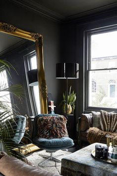 27 Newest Interior Design Trends A moody and eclectic Georgian home in London New Interior Design, Diy Interior, Dark Living Rooms, Gothic Living Rooms, Modern Living, Art Deco Interior Living Room, Living Spaces, Muebles Shabby Chic, Appartement Design