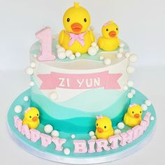 Duck cake Rubber Duck Cake, Rubber Duck Birthday, Cake 1 Year Boy, 2nd Birthday Cake Girl, Girl Birthday Decorations, Baby Shower, Girl Cakes, Birthdays, Ideas