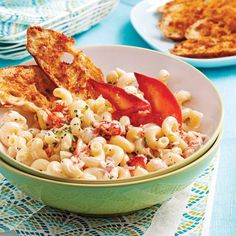 Salade de thon à la mangue - 5 ingredients 15 minutes Brie, Confort Food, Fish And Seafood, Seafood Recipes, Pasta Salad, Macaroni And Cheese, Food And Drink, Low Carb, Favorite Recipes