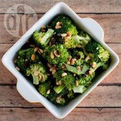 Zdjęcie do przepisu: Sałatka z brokułów