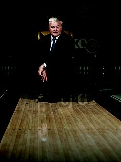 VALCKE BOWLING by Maus/Photojoost