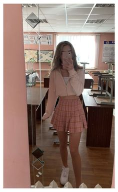 Pink Skirt Outfits, Girly Outfits, Retro Outfits, Cute Casual Outfits, Stylish Outfits, Skater Skirt Outfits, Pink Skater Skirt, Clueless Outfits, Trendy Summer Outfits