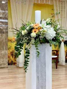 Altar Flowers, Church Flower Arrangements, Church Flowers, Flower Centerpieces, Floral Arrangements, Church Wedding Decorations, Altar Decorations, Bridal Shower Flowers, Wedding Table Flowers