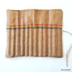 how great is that simple weaving in the burlap?