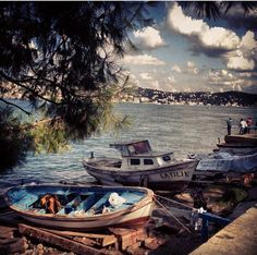 istanbul, çengelköy Travel Around The World, Around The Worlds, Cool Pictures, Cool Photos, Empire Ottoman, Magic City, Boat Painting, City Landscape, Stunning View
