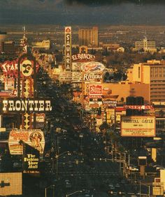 Archivio Personale Las Vegas strip circa 1986.  Similar view from 1970.Redd Foxx at the Sahara, Crystal Gayle at the Desert Inn. The former Thunderbird had bee...