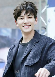 ❤❤ 지 창 욱 Ji Chang Wook ♡♡ that handsome and sexy look . Ji Chang Wook Smile, Ji Chang Wook Healer, Ji Chan Wook, Ji Chang Wook 2017, Korean Star, Korean Men, Park Hyun Sik, Ji Chang Wook Photoshoot, Joon Hyuk