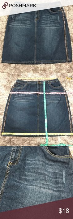 Baccini Jean Skirt w/ tribal trim SZ 16W Dark wash. Factory fade. Factory wrinkle dye. Factory sanding marks. Embroidered tribal trim. Five pocket. Button and zipper fly. Little to no stretch. 73% cotton. 26% polyester. 1% spandex. Size 16 W. all measurements in pictures. Baccini Skirts A-Line or Full