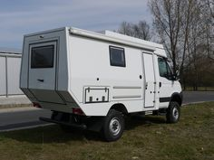 Custom Campers - IVECO 4x4 Single Cab
