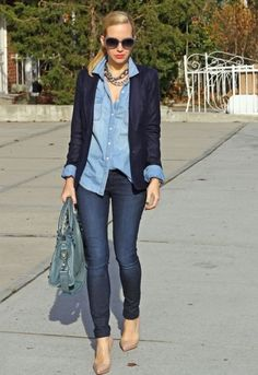 I'm always at a loss for the right denim-on-denim look. This one is great because it contrasts the blues and keeps it dressy with a blazer.