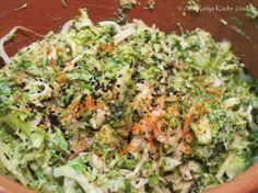 Brokkolisalat mit Sesamdressing