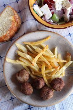 My Little Expat Kitchen: The Keftedakia - Greek fried meatballs