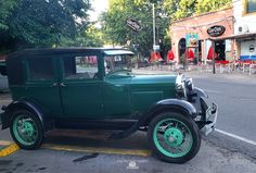 Ranelenses imágenes de Diaz De Vivar Gustavo año 2020 Antique Cars, Parking Lot, Walks, Parks, Vintage Cars
