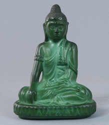 Malachitbuddha in the Lotussitz, on base sitting, 1. half 20. Jhdt., seeming Thailand. H = 20, 0 D = 15.0 cm    Dealer  Gut Bernstorf    Auction  Minimum Bid:  250.00EUR