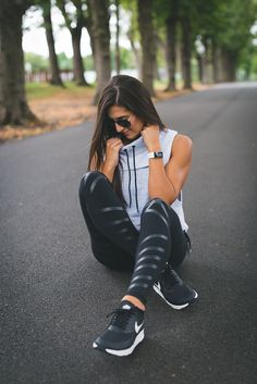 funnel neck vest, free people activewear, alo yoga leggings, nike air max thea sneaker, weekly workout routine, cute activewear, fitness inspiration, athleisure outfit // grace wainwright @asoutherndrawl