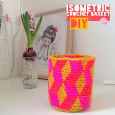 Isometric crochet basket from #labeletterose. English at the end. #free #crochet #pattern #crochetpattern