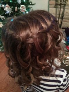 Flower girl hair style. I'm thinking for my niece in my wedding