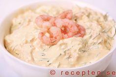 Skagenröra - Recept på skagenröra. En god kall röra med räkor och dill. Gott och enkelt! Bilder steg för steg.