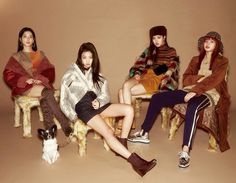 Your source of news on YG's current biggest girl group, BLACKPINK! Kim Jennie, Jenny Kim, J Pop, Kpop Girl Groups, Korean Girl Groups, Kpop Girls, Black Pink Lalisa Manoban, Yg Entertainment, Square Two