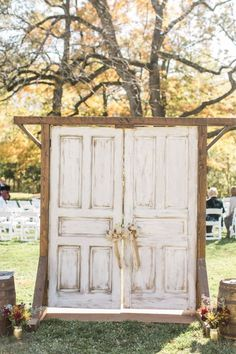 20 Rustic Outdoor Wedding Ceremony Entrance Ideas with Old Doors On a Budget - Oh Best Day Ev. 20 Rustic Outdoor Wedding Ceremony Entrance Ideas with Old Doors On a Budget - Oh Best Day Ever rustic wedding ceremony . Barn Door Wedding, Rustic Wedding, Old Doors Wedding, Outdoor Wedding Doors, Wedding Vintage, Outdoor Wedding Backdrops, Wedding Ceremony Backdrop, Outdoor Ceremony, Wedding Ceremonies