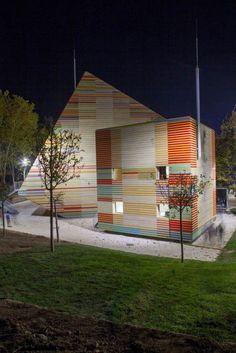 Renzo Piano Designs a Flat-Pack Auditorium for L'Aquila: