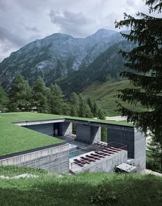 Peter Zumthor, Morphosis Architects / Thom Mayne, Fabrice Fouillet · Thermes Vals AT 7132 Hotel Peter Zumthor, Chinese Architecture, Futuristic Architecture, Landscape Architecture, Architecture Office, Ancient Architecture, Sustainable Architecture, Contemporary Architecture, Morphosis Architects