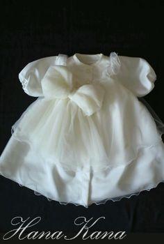 リメイクセレモニードレス(前開きヨークフリルデザイン) - ベビードレスのHanaKana -アトリエで1点ずつオリジナルのドレスを製作-