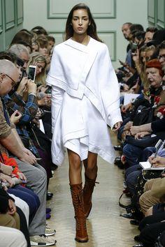J.W.Anderson Spring 2017 Ready-to-Wear Fashion Show