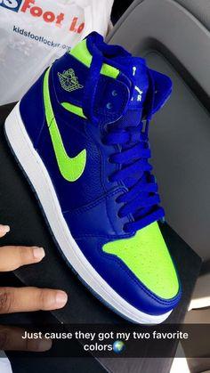 Can't do Air Jordans but this color scheme would work on dunks. Can't do Air Jordans but this color scheme would work on dunks. Cute Sneakers, Sneakers Mode, Sneakers Fashion, Shoes Sneakers, Zapatillas Jordan Retro, Jordan Shoes Girls, Nike Air Shoes, Hype Shoes, Fresh Shoes