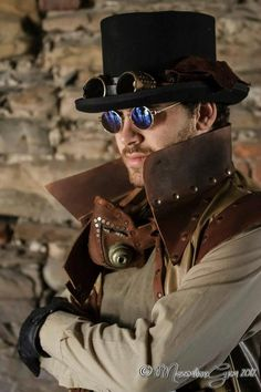 From Steampunk Society....Ohhh yes, please I want one?!?!?!  May I??? And yes, the costume isn't bad either! ;-)