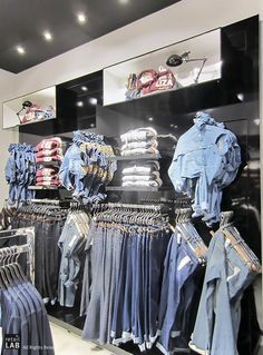 Jeans fashion store collection --Lola & Liza flagship store by retailLAB, Aalst Belgium Boutique Interior, Clothing Store Interior, Clothing Store Displays, Clothing Store Design, Store Window Displays, Shop Interior Design, Visual Merchandising, Mode Choc, Denim Display