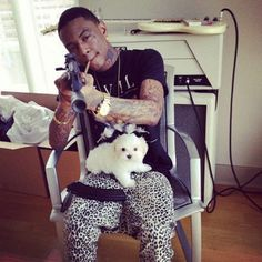Soulja Boy - 60 Awesome Photos of Rappers With Puppies Sexy Work Outfit, Soulja Boy, Rap Wallpaper, Car Memes, Having A Bad Day, The Wiz, Kanye West, Dog Days, Celebrity News