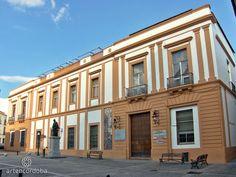 Plaza de la Trinidad: Iglesia de San Juan y Todos los Santos, Monumento a Góngora y el Palacio de los Duques de Hornachuelos.