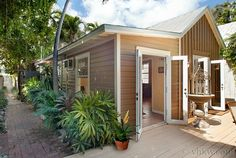 Key West Rentals - Private Renovated Cottage2 BR 1BA - Sleeps 2 - 5Private Jacuzzi Tub Welcome to a little piece of hidden paradise you never knew existed. Once you're nestled into this hideaway, you'll never know you're right in the center of Old Town Key West.