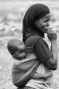Africa: Kereyu Mother and child, Ethiopia We Are The World, People Around The World, Beautiful World, Beautiful People, African Culture, Mother And Child, Mothers Love, Black People, Baby Wearing
