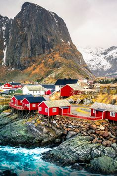 The fishing village of Hamnøya on Lofoten archipelago in northern Norway •…