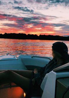 Photo Inspiration – – – My World Beach Aesthetic, Summer Aesthetic, Summer Pictures, Beach Pictures, Boating Pictures, Surfing Pictures, Summer Nights, Summer Vibes, Summer Sunset