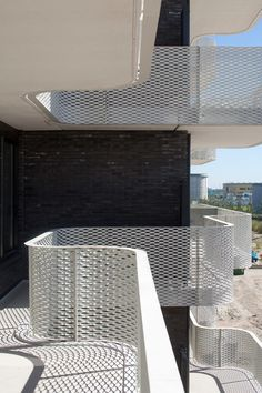 Stairs Architecture, Architecture Details, Facade Design, Exterior Design, Balcony Railing Design, Metal Facade, Concrete Structure, Facade House, Modern Exterior