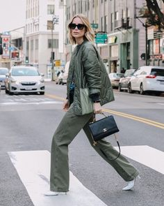 """Stylesight Spotlight® (@stylesightspotlight) posted on Instagram: """"#StreetStyle highlights — #Style look starring by @aninebing in @aninebing heels with @chanelofficial bag for outside fashion week @nyfw…"""" • Jan 6, 2021 at 7:18pm UTC Danish Street Style, Casual Street Style, Street Style Women, Street Styles, Danish Fashion, Scandinavian Fashion, Minimal Fashion, Fashion Edgy, Fashion 2020"""