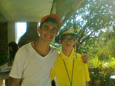 Soy Christian y aquí está mi amigo Mario... Formamos parte del Club Best Buddies Colegio Champagnat, aquí en Caracas... Mario es un gran atleta y trabaja en Fundacodise... ¡Los invitamos a participar en el concurso que #retrataCAPACIDADES!