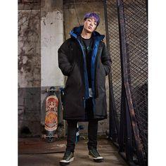 Kim Ji Won, Ikon, Canada Goose Jackets, Bobby, Funny Memes, Funny Gifs, Raincoat, Bring It On, Winter Jackets