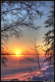 photo ✯ Sunset at Pyhäjärvi, Tampere, Finland . brilliant colors reflected on… Beautiful World, Beautiful Places, Beautiful Pictures, Amazing Sunsets, All Nature, Beautiful Sunrise, Winter Scenes, Nature Scenes, Ciel