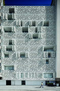 Gallery of 18 Fantastic Permeable Facades - 6