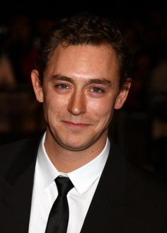 JJ Feild, playing the perfect gentleman. I fall in love with him over and over again!!!