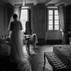 Time to go . . . . . . . . . . #weddingphotographer #lakecomo #comolake #romanticwedding #love #photograph #photoshoot #photos #photographer #photography #photo #weddingday #weddings #wedding #photodaily #photoofday #photograpy #photolove #weddingphoto #weddingreportage #weddingitaly #weddingitalianphotographer